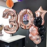 Розовые шары стиле золота на день рождения
